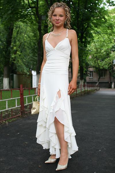 Молодому украинскому производителю одежды компании VidOli на постоянную...