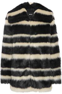 Шуба или короткая меховая куртка: сложный выбор